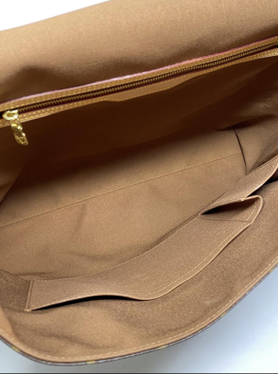 Louis Vuitton Abbesses Monogram Messanger GM