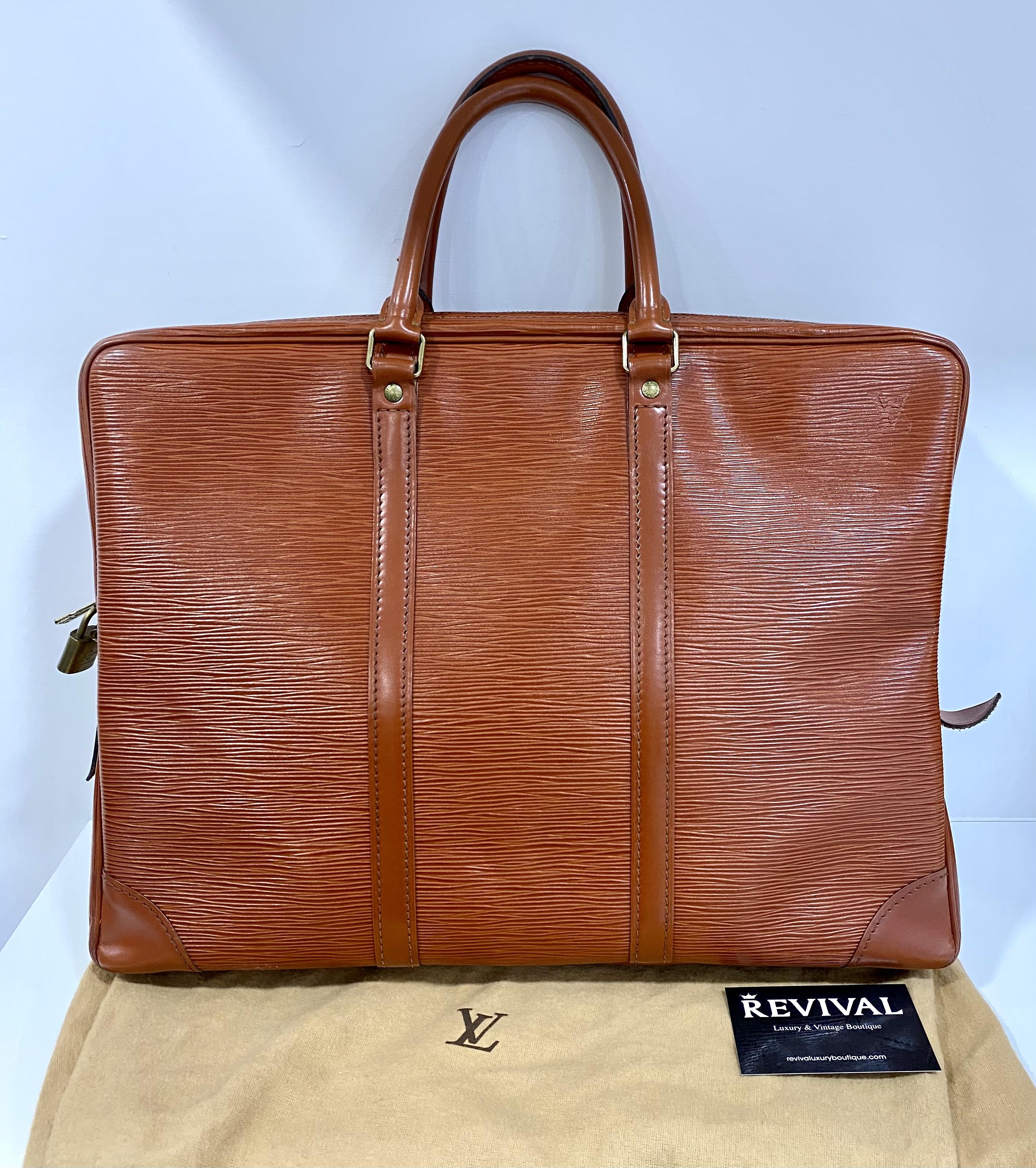 Louis Vuitton Voyage borsa porta documenti pelle EPI Arancio